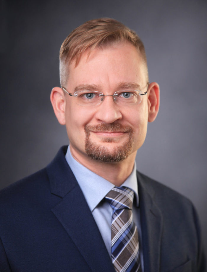 Prof. Dr. Florian Frank (Vertretungsprofessor)